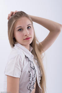 http://img134.imagevenue.com/loc113/th_020879612_tduid300163_Silver_Starlets_Katenka_student_1_088_123_113lo.JPG