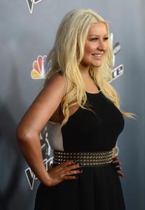 [Fotos+Videos] Christina Aguilera en la Premier de la 4ta Temporada de The Voice 2013 - Página 4 Th_985755660_Christina_Aguilera_11_122_174lo