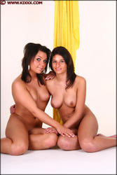 http://img134.imagevenue.com/loc212/th_815580584_093_Danielle_Sammy_116_123_212lo.jpg