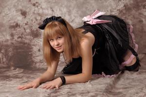 http://img134.imagevenue.com/loc22/th_232561468_Silver_Sandrinya_maid_3_037_122_22lo.jpg