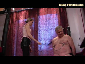 YOUNG-FEMDOM: This treatment loves an old man!