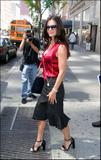 th_25271_Courteney_Cox_Candids_NY_050406_4.jpg
