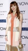 http://img134.imagevenue.com/loc385/th_291779821_BellaThorne_TheVow_HollywoodPremiere_42_122_385lo.jpg