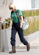 Анна Фарис, фото 1227. Anna Faris shopping in LA MAR-5-2012, foto 1227