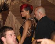 th_57685_RihannapoolsideattheVanityNightclubinLasVegas16.7.2010_01_122_539lo.jpg