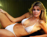 Heather Locklear Learns To Surf In a Bikini Foto 148 (Хизер Локли Learns To Surf в бикини Фото 148)