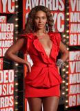 BEYONCE'S NIGHT AT MTV VMA '09 Th_94932_Beyonce_celebutopia_net_534_122_877lo