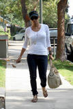 th_99524_Halle_Berry_leaving_her_house_in_LA_05_122_965lo.jpg